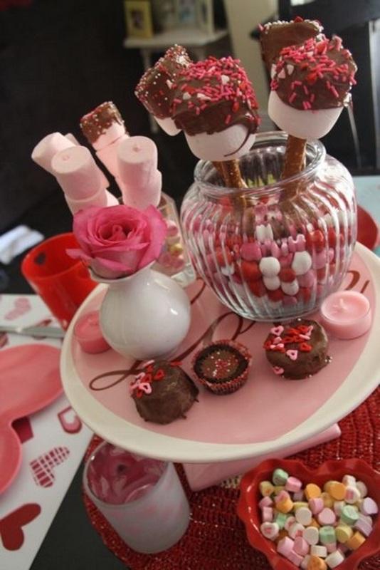 Cool Valentine Table Centerpieces Ideas