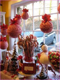 indoor-lighted-window-christmas-decoration-idea