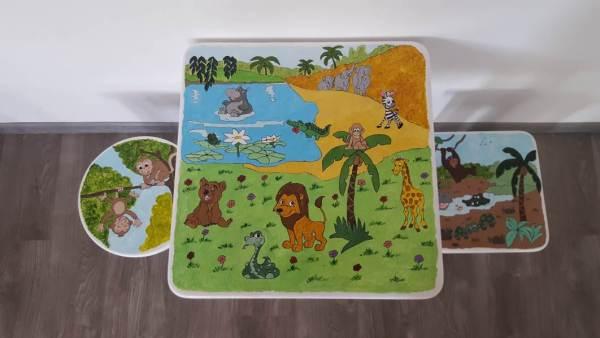 masa cu scaune pictate