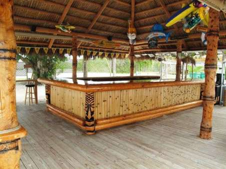 DIY OUTDOOR BAR IDEAS 24