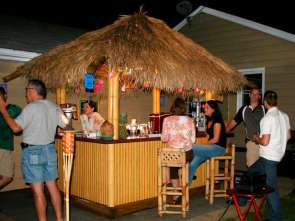 DIY OUTDOOR BAR IDEAS 50