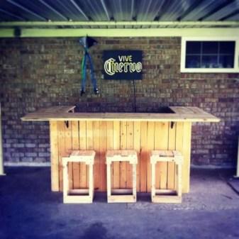 DIY OUTDOOR BAR IDEAS 62