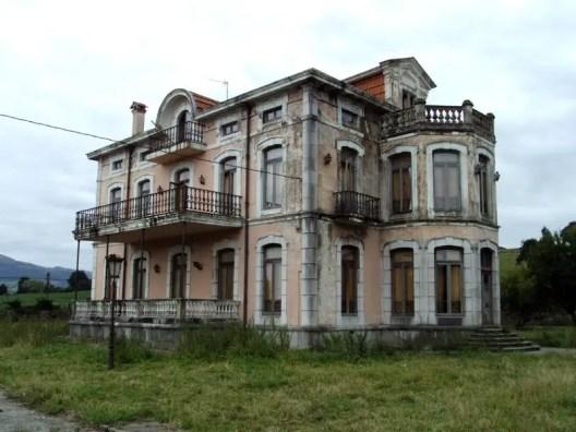 Abandoned Houses 46