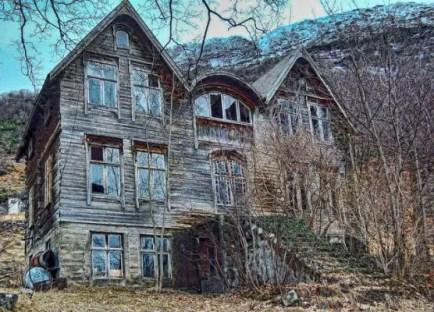 Abandoned Houses 93