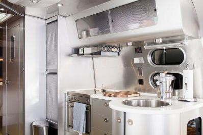 Cheap And Easy Ways To Decorate Your RV Camper 29