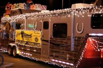 Cheap And Easy Ways To Decorate Your RV Camper 32