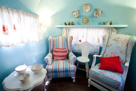 Cheap And Easy Ways To Decorate Your RV Camper 55