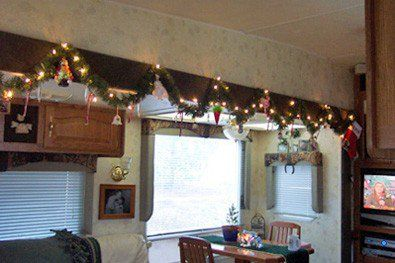 Cheap And Easy Ways To Decorate Your RV Camper 9