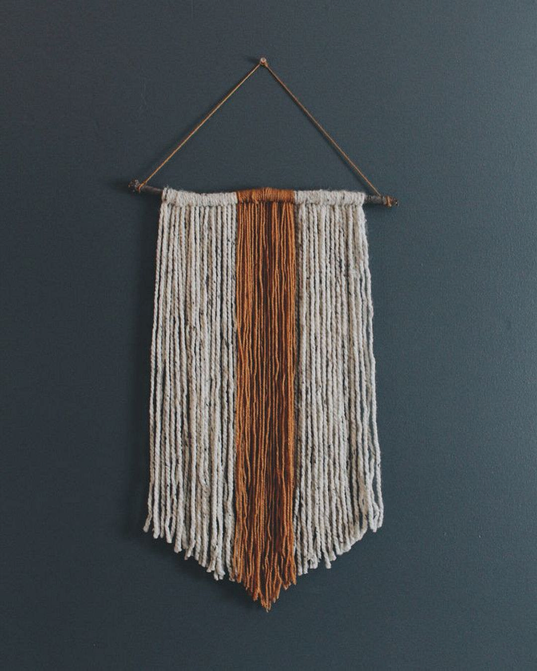 DECORATIVE WALL HANGINGS 101