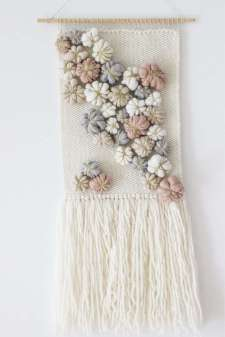 DECORATIVE WALL HANGINGS 104