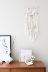 DECORATIVE WALL HANGINGS 108