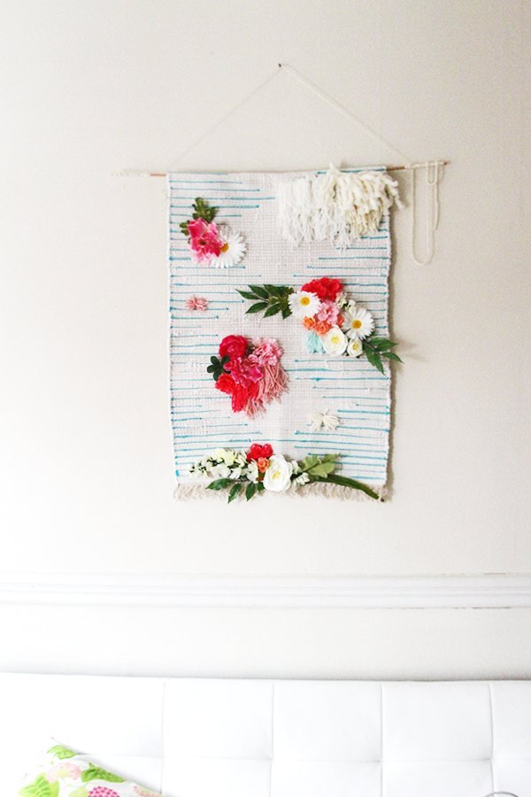 DECORATIVE WALL HANGINGS 129