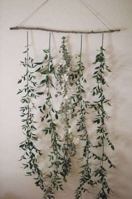 DECORATIVE WALL HANGINGS 133