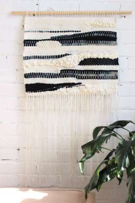 DECORATIVE WALL HANGINGS 140