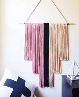 DECORATIVE WALL HANGINGS 155