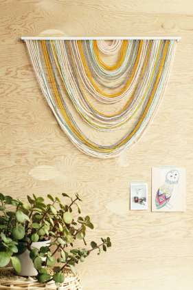 DECORATIVE WALL HANGINGS 160