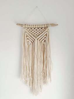 DECORATIVE WALL HANGINGS 162
