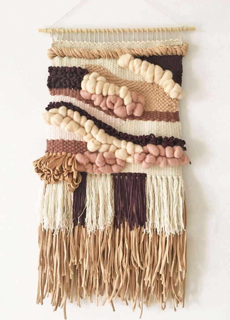 DECORATIVE WALL HANGINGS 169