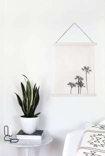 DECORATIVE WALL HANGINGS 34