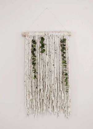 DECORATIVE WALL HANGINGS 73