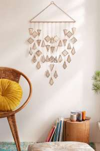 DECORATIVE WALL HANGINGS 80
