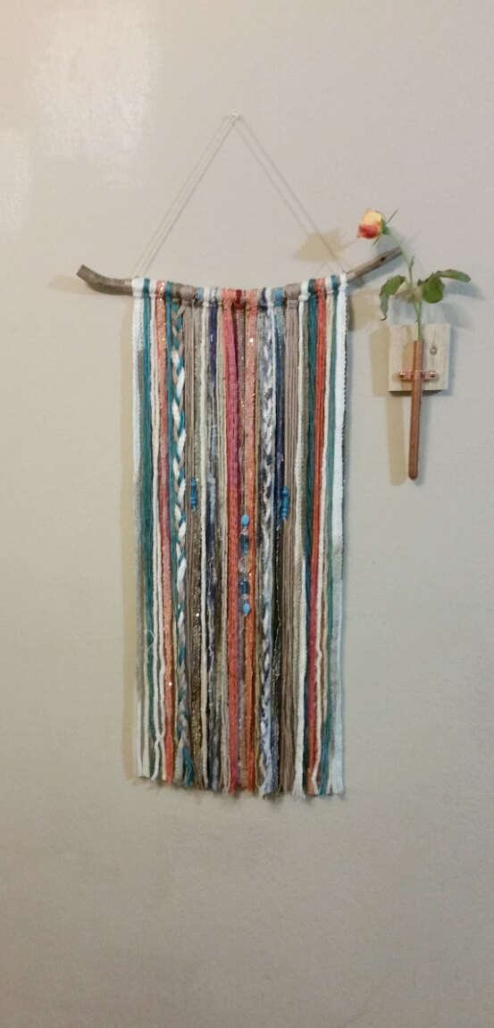 DECORATIVE WALL HANGINGS 86
