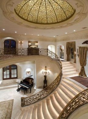 Grand Staircase 52