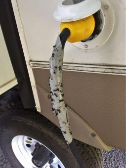 RV Hacks Ideas That Will Make You A Happy Camper 31