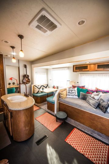 RV Hacks, Remodel And Renovation Ideas That Will Make You A Happy Camper32