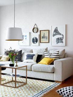 Bright Living Room Decor Ideas 21