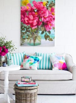 Bright Living Room Decor Ideas 27