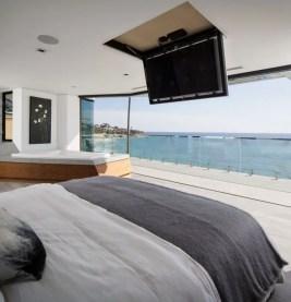 California Beach House 24