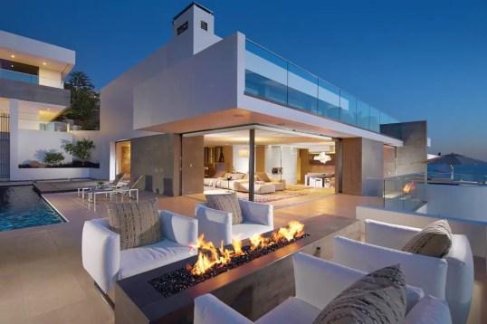 California Beach House 31