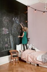 Chalk Wall Bedroom Ideas 14