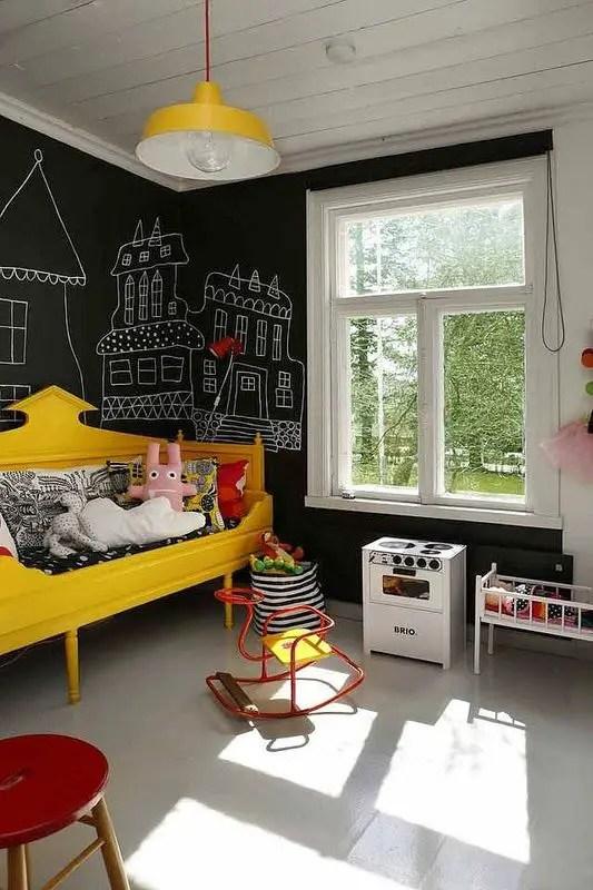Chalk Wall Bedroom Ideas 34