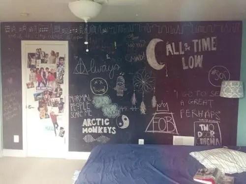 Chalk Wall Bedroom Ideas 76