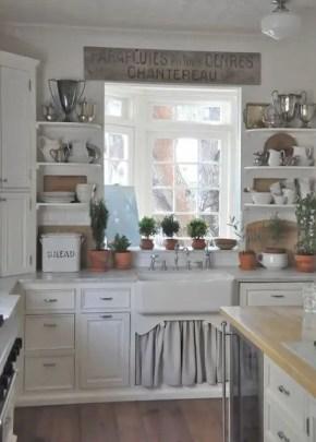 European Farmhouse Kitchen Decor Ideas 26