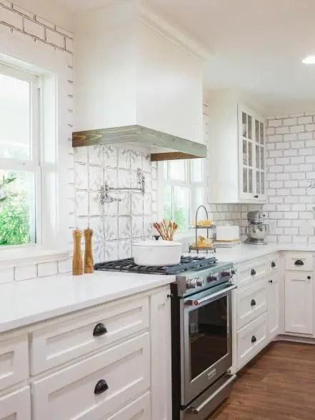European Farmhouse Kitchen Decor Ideas 44
