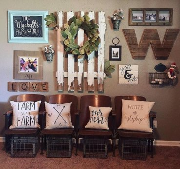 Farmhouse Gallery Wall Ideas 109