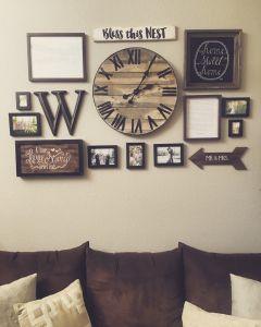 Farmhouse Gallery Wall Ideas 133