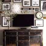 Farmhouse Gallery Wall Ideas 32