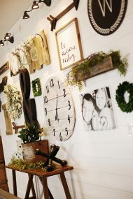 Farmhouse Gallery Wall Ideas 38