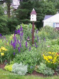 Flower Beds In Front Of House 138