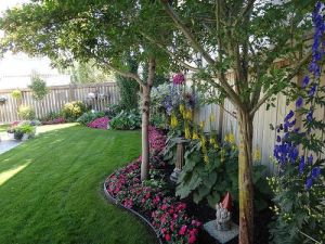 Flower Beds In Front Of House 38