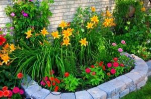 Flower Beds In Front Of House 41