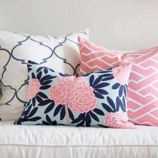 Living Room Pillows 75