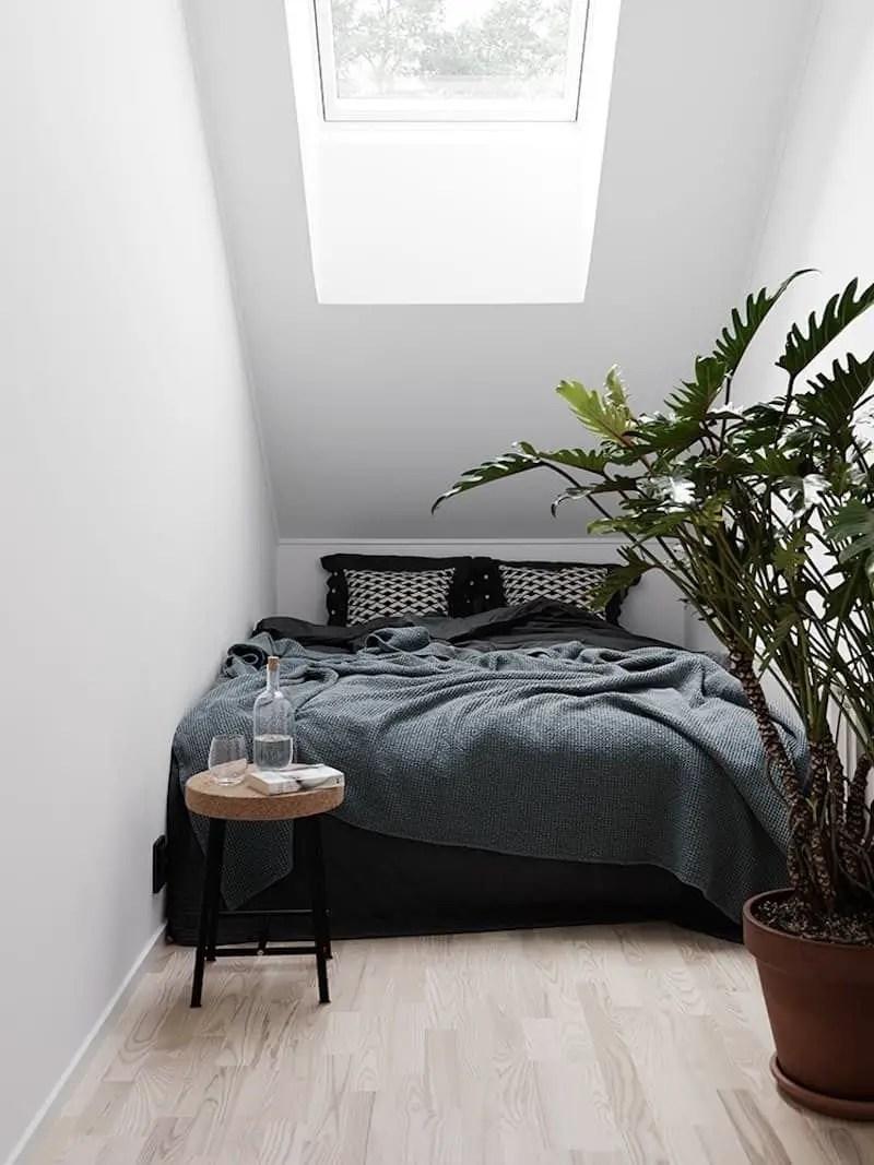 Small Apartment Bedroom Decor 113