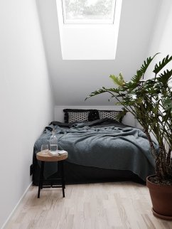 Small Apartment Bedroom Decor 113