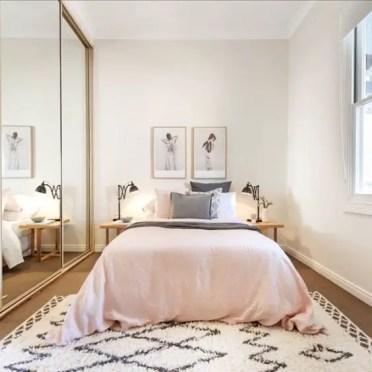Small Apartment Bedroom Decor 4