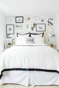 Small Apartment Bedroom Decor 54